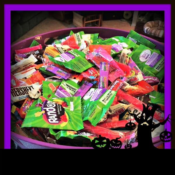 halloween-candy-tub
